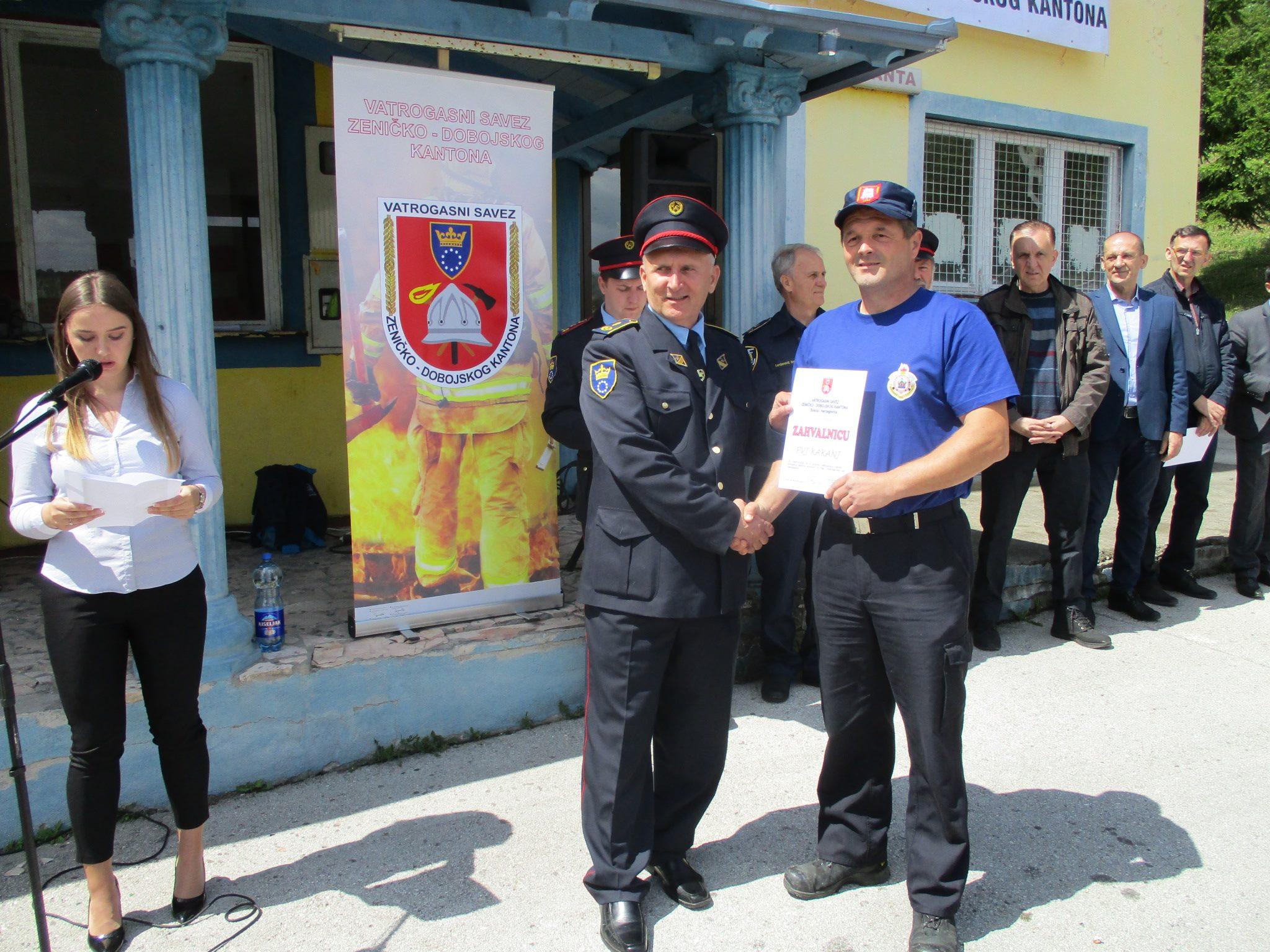Četvrti susret vatrogasaca ZDK: Kakanjski vatrogasci prvi u vatrogasnoj štafeti i navlačenju konopca