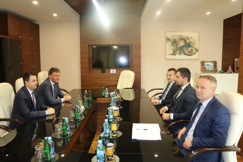 Premijer Zeničko-dobojskog kantona Mirza Ganić boravio u posjeti Kaknju