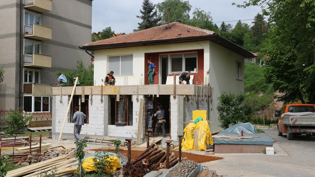 U toku radovi na rekonstrukciji i proširenju parohijskog doma u Kaknju: Radove finansiraju kakanjski privrednici i Općina Kakanj