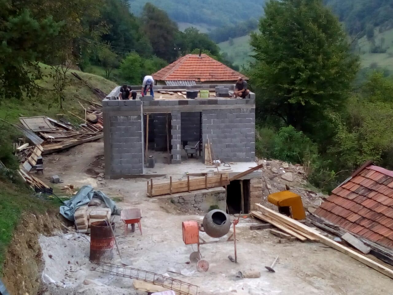 Izgradimo svi zajedno kuću za Tufika Velića: Općina Kakanj će osigurati stolariju