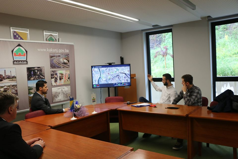 Predstavljamo inovativno rješenje namijenjeno poboljšanju komunalne slike: Mladi i uspješni Kakanjci kreirali elektronski nadzor kontejnerskih mjesta