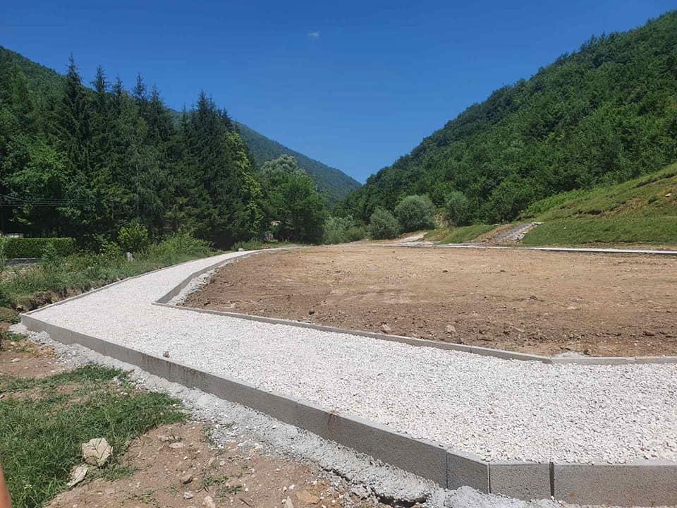 Potpisani ugovori o izvođenju radova na humusiranju, ozelenjavanju i postavljanju mobilijara u Eko-parku Tršće (završna faza)