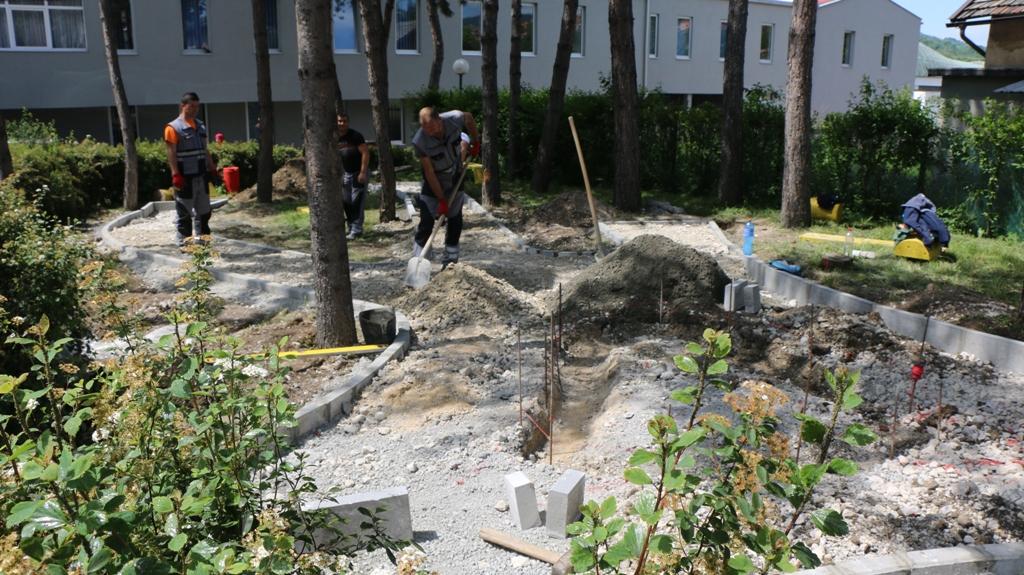 Počeli radovi na uređenju Parka zlatnih ljiljana