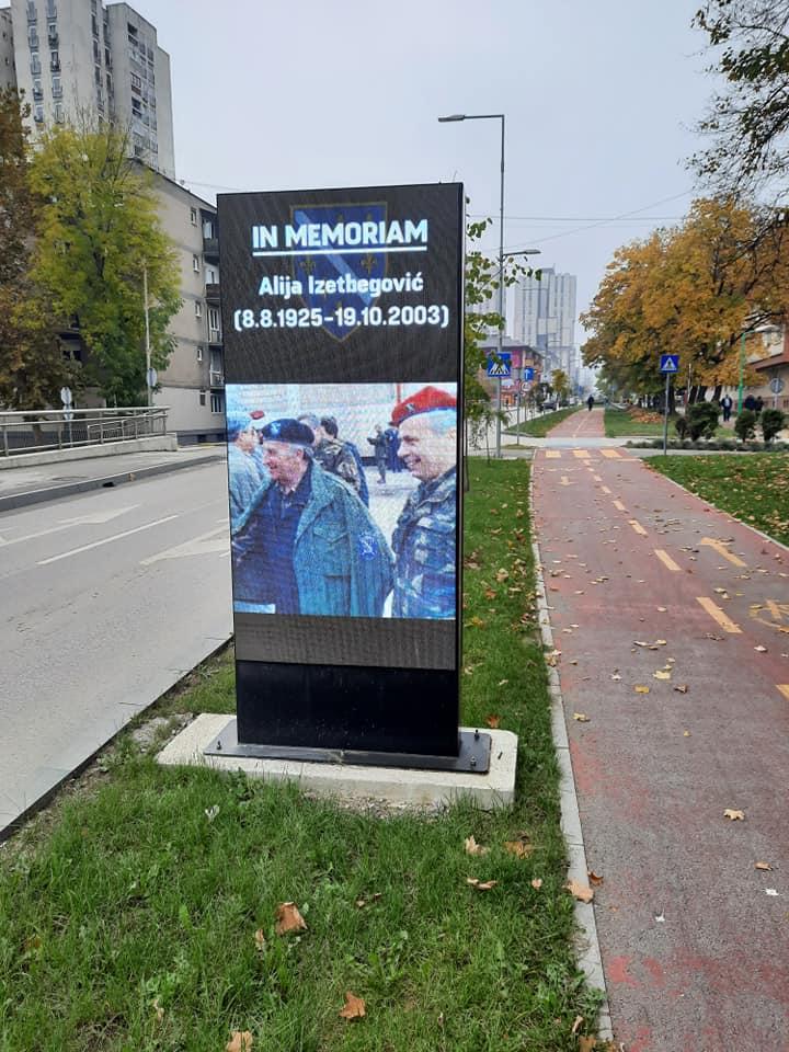 S ponosom i sjetom sjećamo se Alije Izetbegovića, prvog predsjednika suverene i nezavisne Republike Bosne i Hercegovine